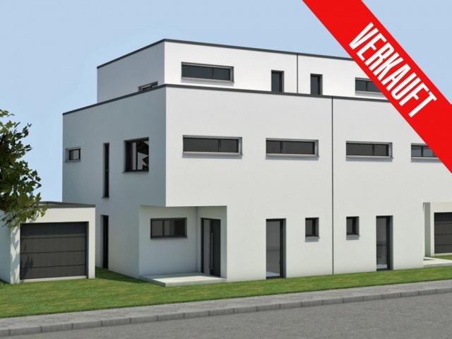 Moers - Hochstraß, nur noch 1 Einfam.-Haus mit Staffelgeschoss (DHH) mit 350 qm Südlage