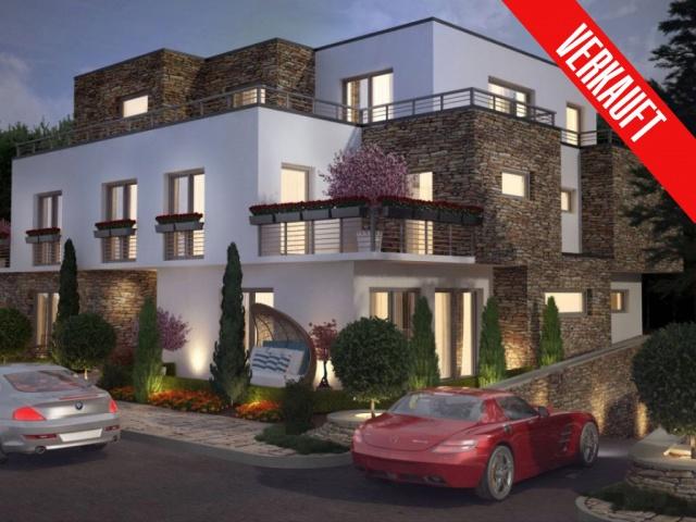 Exklusive Penthousewohnung im 5-Familienhaus mit Tiefgarage und Aufzug